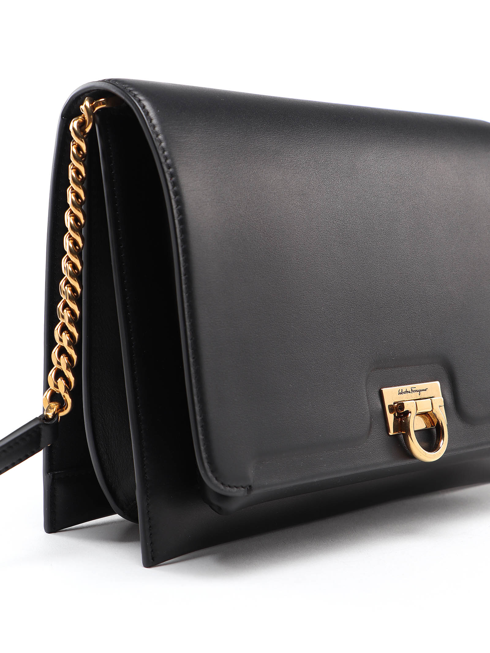 Picture of Salvatore Ferragamo | Gancio Square Md Bag