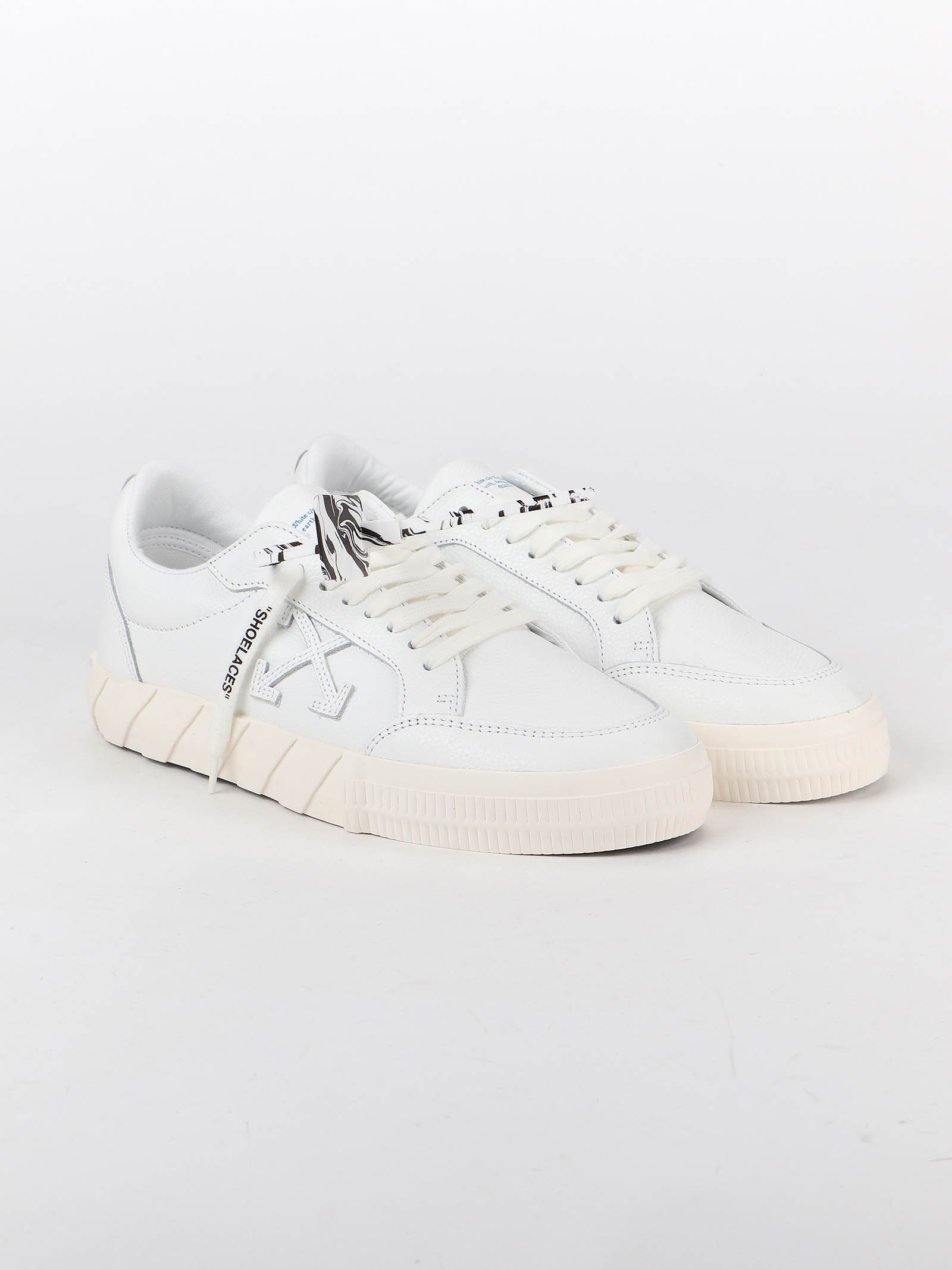 Picture of Off White | Low Vulcanized Sneaker