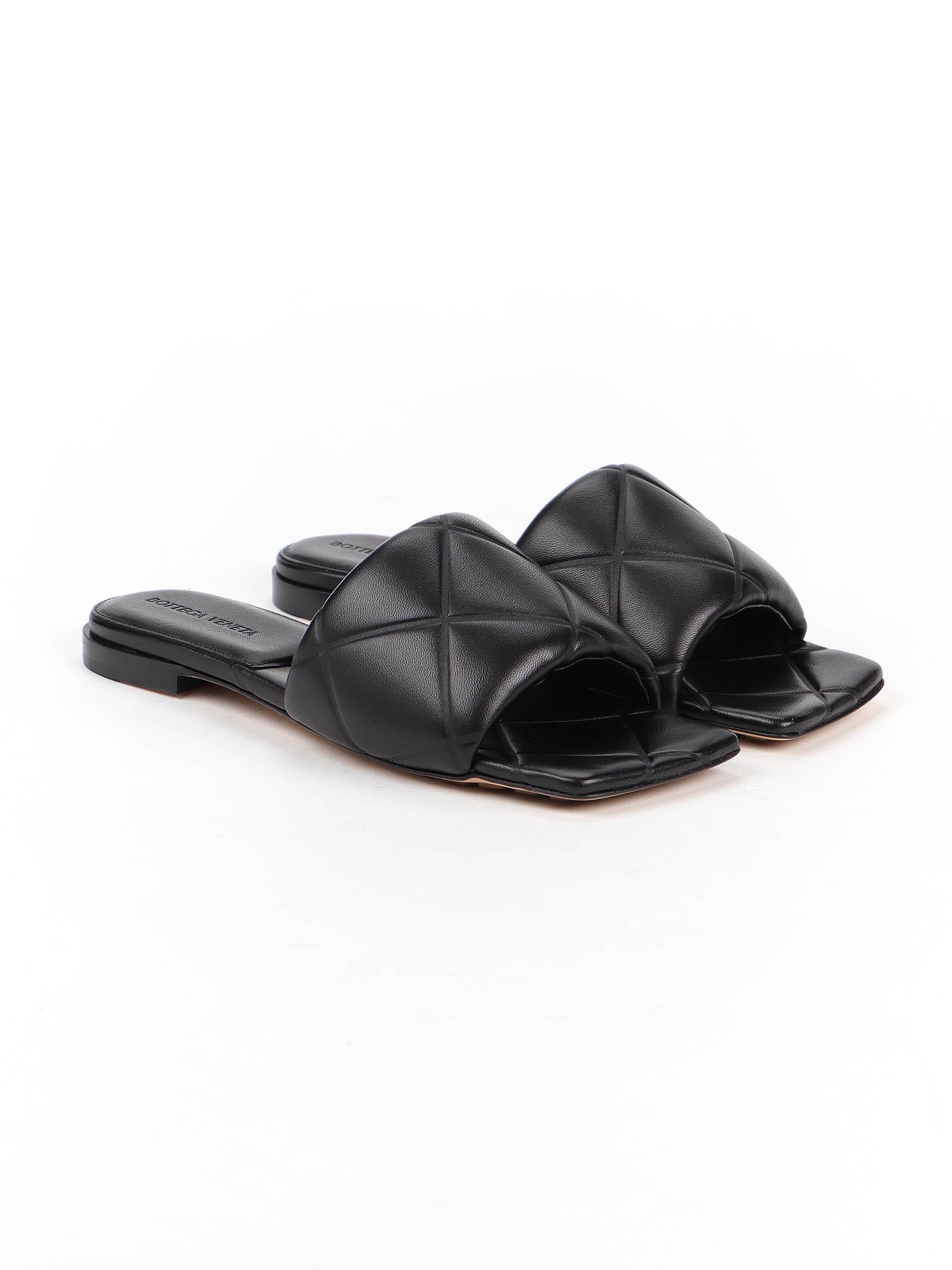 Picture of Bottega Veneta | Quilted Embossed Sandal