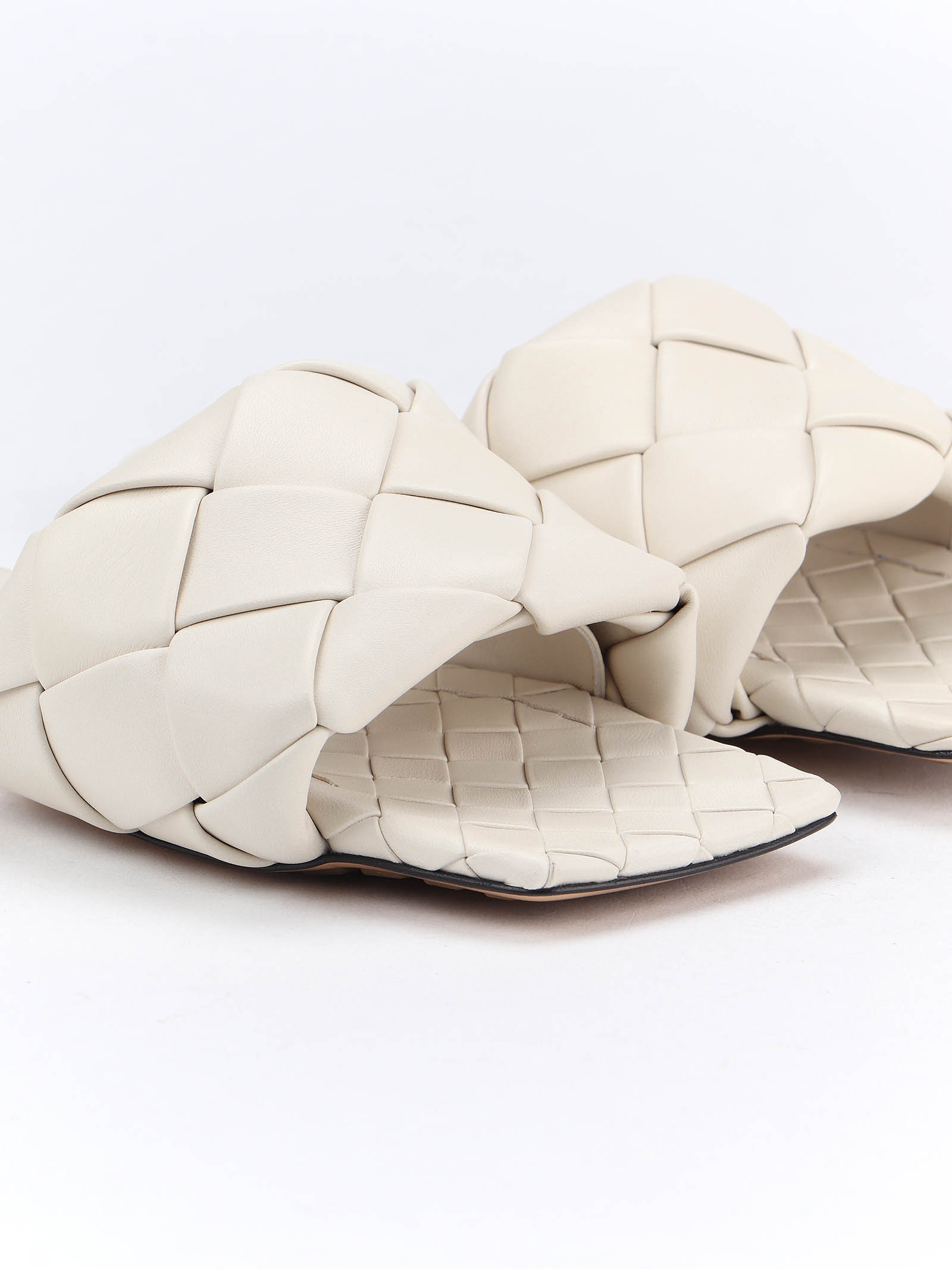 Picture of Bottega Veneta | Flat Mule Lido